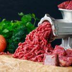 Comment utiliser un hachoir à viande?